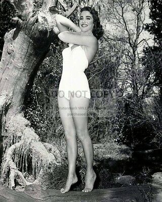 """Julie Adams In """"Creature From The Black Lagoon"""" - 8X10 Publicity Photo (Cc-171)"""