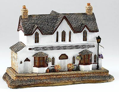 Lilliput Lane Its All In The Name Wales Railway Station Ornament 7cm L3771 UK