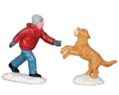 New Lemax Figurines Dog In Snow 52346  Polyresin NEW 2015