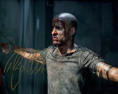 Ricky Whittle In Person Signed Photo - A780 - The 100
