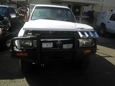 Toyota Hilux 22R 2.4 4Wd Manual Gearbox #54905
