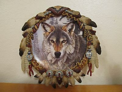 The Hamilton Collection Autumn Majesty Protector of the Wolf decorative plate