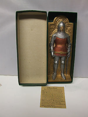 Marcus Design vintage plaque Boxed MEDIEVAL KNIGHT 2
