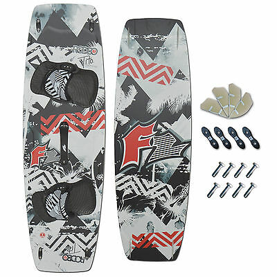 F2 FREESTYLE KITEBOARD 2016 ~ F2 RODEO 141 x 43,5 CM + PADSET + FINNEN + HANDLE
