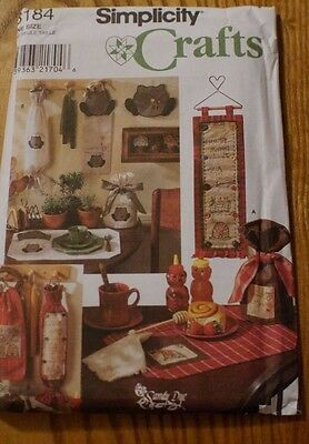Simplicity Crafts Place Mat Bag Holder Wall Hanging Tea Cozy Tie Pattern 8184 UC