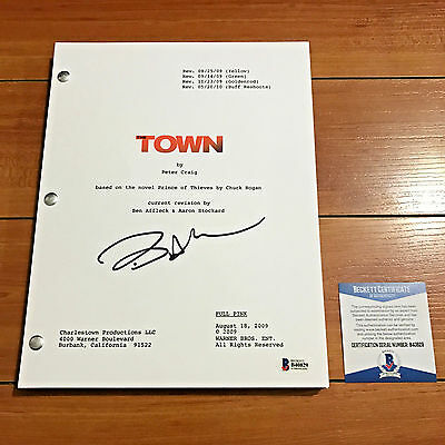 BEN AFFLECK SIGNED THE TOWN FULL MOVIE SCRIPT SCREENPLAY w/ PROOF OF AUTOGRAPH