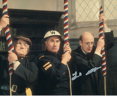 Frank Williams In Person Signed Photo - A823 - Dad's Army