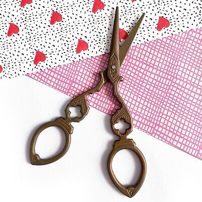 Embroidery Needlework Craft Manicure Vintage Style Retro Haberdashery Scissors