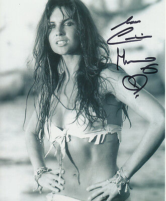 Caroline Munro In Person Signed Photo - A1091 - STUNNING!!!!!