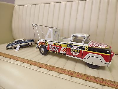 1957 MARX LUMAR Chevrolet Wrecker Tow Truck & Original Car Pressed Steel Toy Set
