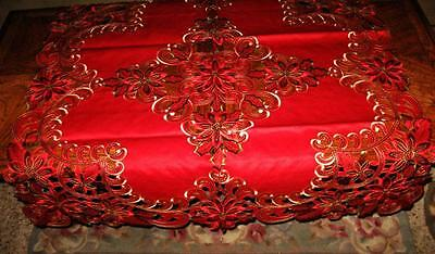 Red Poinsettia Shimmery Gold Sequin Scalloped Christmas Decor Tablecloth Topper