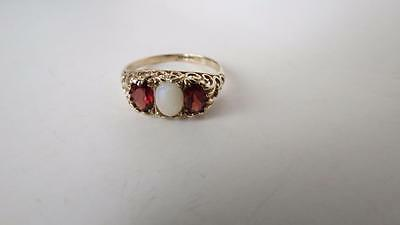 Vintage 9CT Yellow Gold Oval Opal & Garnet Trilogy Scroll Mounted Ring Size S