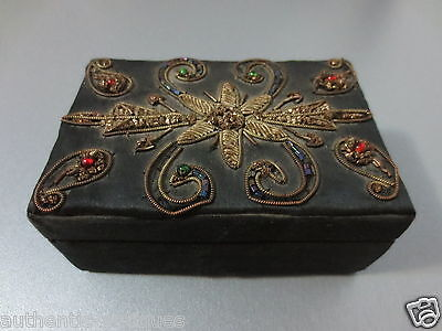 Gorgeous OLD VINTAGE HAND MADE GOLD TINSEL FLOWERS JEWELLERY BOX - UNIQUE