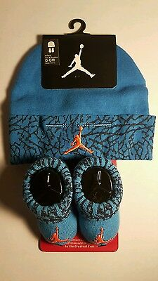 49a5ffd47dae12 Nike Air Jordan Girls or Boys Infant Hat   Booties Set Size 0 - 6 Months