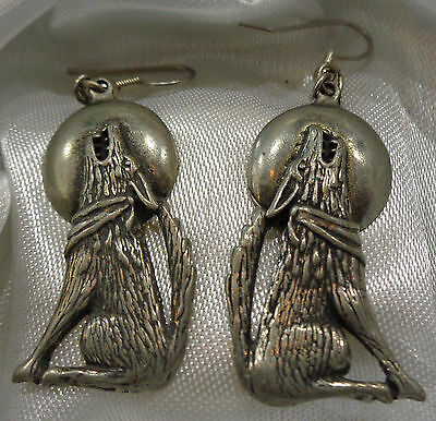 Vintage(1989) EGE Pewter Wolf Howling At The Full Moon Fish Hook Earrings