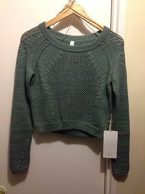 NWT $98 lululemon Be Present Pullover - Size4 Earl Green