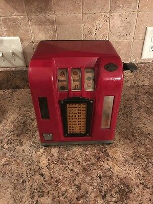 Vintage Coin Operated Groetchen Zephyr Trade Simulator Gum Vending Machine Rare