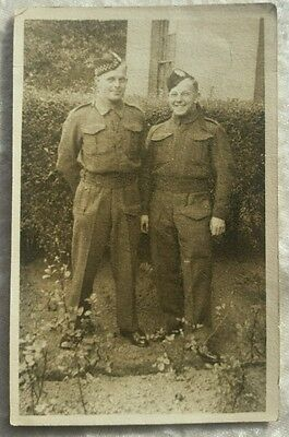 Ww2 Printed Photograph Postcard Of Two Soldiers