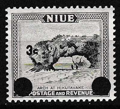 1967 NIUE 3c ON 4d DEFINITIVE. SG129 U/MINT