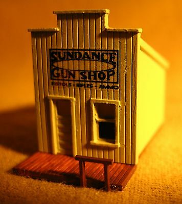 SUNDANCE GUN SHOP - OLD WEST - Z-302 - Z Scale by Randy Brown