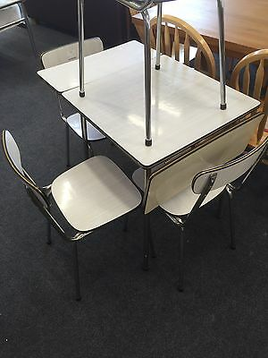 Tavo Retro 1970's Dining Table With Folding Sides & 4 Chairs Formica & Chrome
