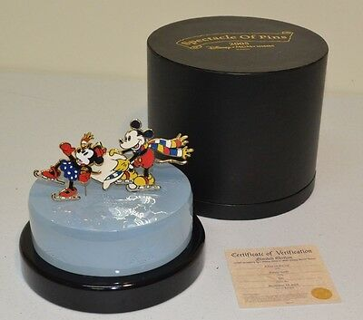 Disney Mickey Minnie Ice Skating 2 Jumbo Pins Light Up Resin Base RARE LE 500
