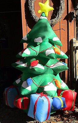 Gemmy Airblown Inflatable 8 Ft Christmas Tree with Presents Gifts Yard Decor