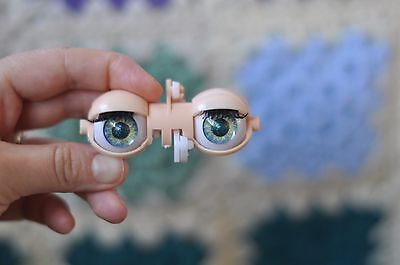 Blythe hand made green eye chips with metallic pupil