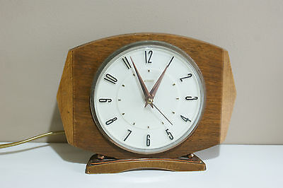 Metamec Oak Case Electric Movement Mantle Clock
