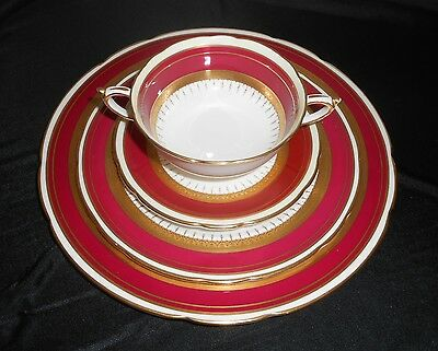 Paragon Athene Maroon 7pcs Double Warrant HM The Queen & Queen Mary