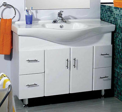 Bathroom 1000Mm Vanity Unit With Free Faucet New In Box