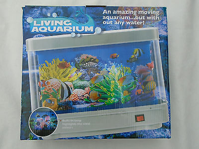 Living Colourful Animated Aquarium Moving Fish Tank With Built In Light Lamp New