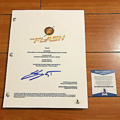 GRANT GUSTIN SIGNED THE FLASH FULL 61 PAGE PILOT SCRIPT w/ PROOF BACKETT BAS COA