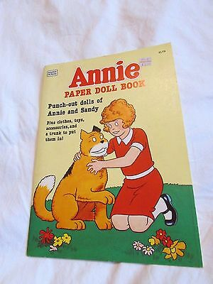 1982 Annie Paper Doll Book~Punch-out Dolls of Annie & Sandy+clothes ETC~UNPUNCED