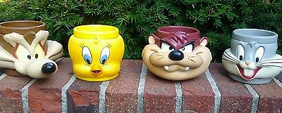 Looney Toons 3D plastic Cups 4 in all 10 OZ 1992