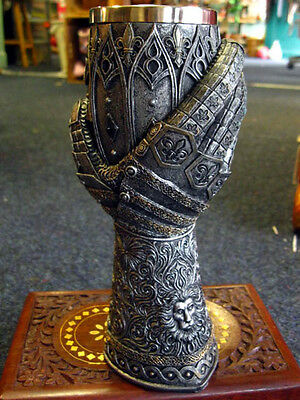 KNIGHTS GAUNTLET GOBLET CHALICE Gothic WINE GLASS HAND Lion Heart MEDIEVAL