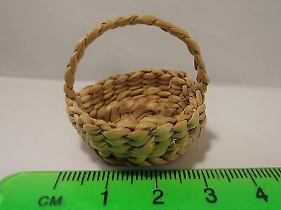 1:12 Scale Hand Woven Basket ( Round ) Dolls House Miniature  Accessory
