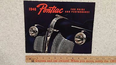 "1940 PONTIAC  -  ""Special, DeLuxe and Torpedo Series"" - Catalog Brochure (CDN)"