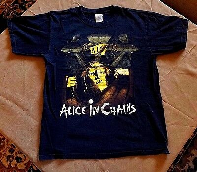 Alice In Chains With 1990 Debut Album Single's Man In The Box Video Pic T-Shirt