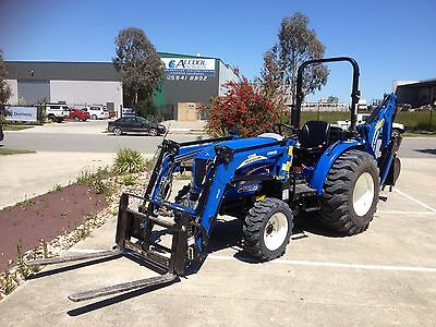 New Holland Boomer 35 Tractor, With Front End Loader & Backhoe