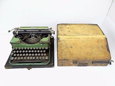 Antique Old Royal Green Portable Typewriter Authors Writing in Wood Case