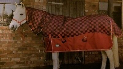 Gallop 450g Red Tartan Plaid Check Heavyweight Combo Horse Turnout Rug With Neck
