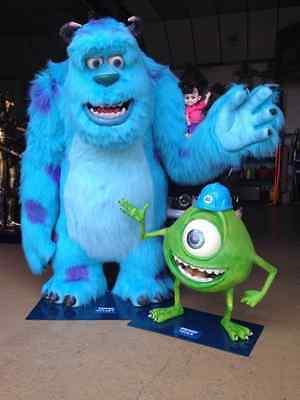 Life Size Monsters Inc Sulley and Mike Pixar Disney Tamaño Real around world