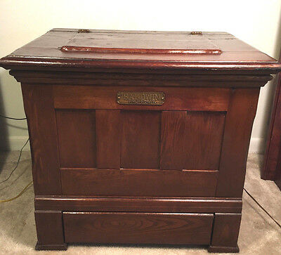 Antique BALDWIN BURLINGTON VERMONT TIGER OAK WOOD ICE BOX, Circa 1890-1910, RARE