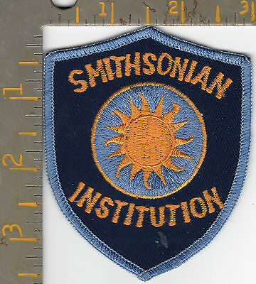 US Smithsonian Institution Federal Staff Patch Washington DC United States