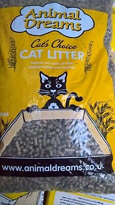 Animal Dreams Biodegradable Oat Husk Wood Based Cat Litter 30 Litre