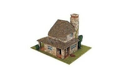 "Domus kit in mattoncini ""Country 2"" 1:50 rif. 40042"