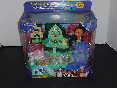 NEW Wizard of Oz Playset Light Up Vintage Emerald City Witch Miniature Figures