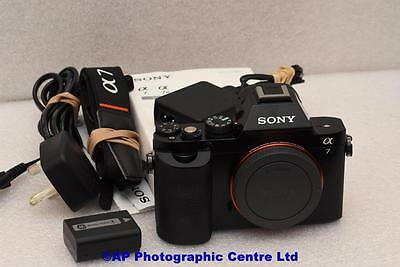 Sony α (alpha) A7 24.3MP Full frame Camera Body Great Condition