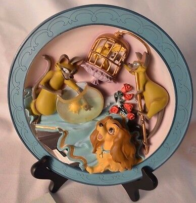Lady And The Tramp We Are Siamese Disney 3D Relief Plate